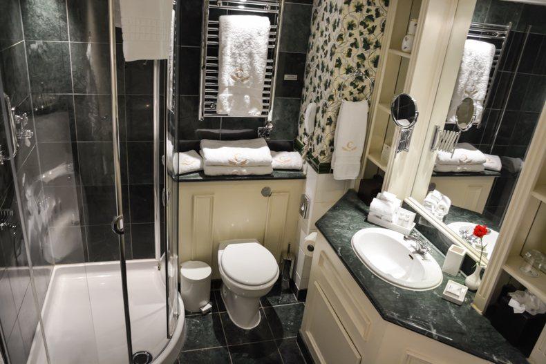 The Chesterfield Mayfair Bathroom